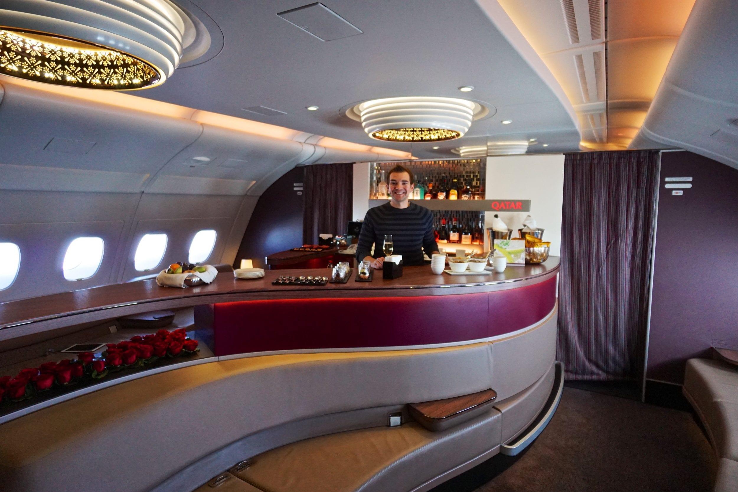 Qatar First Class Lounge Al Safwa Bar 1 e1497979062429