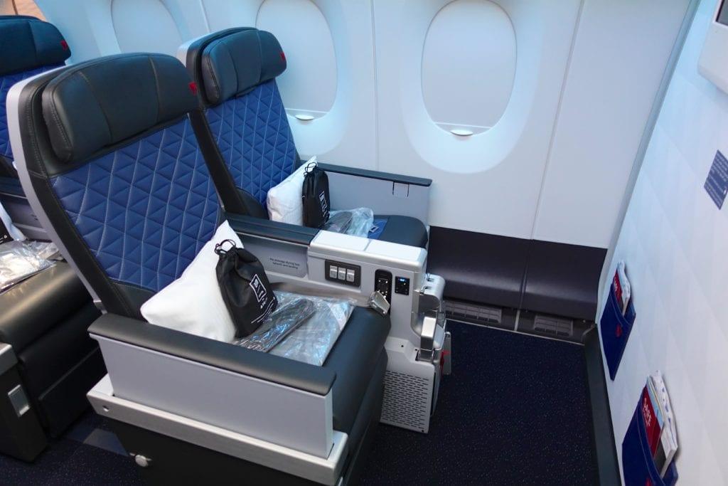 Delta A350 Premium Select 2