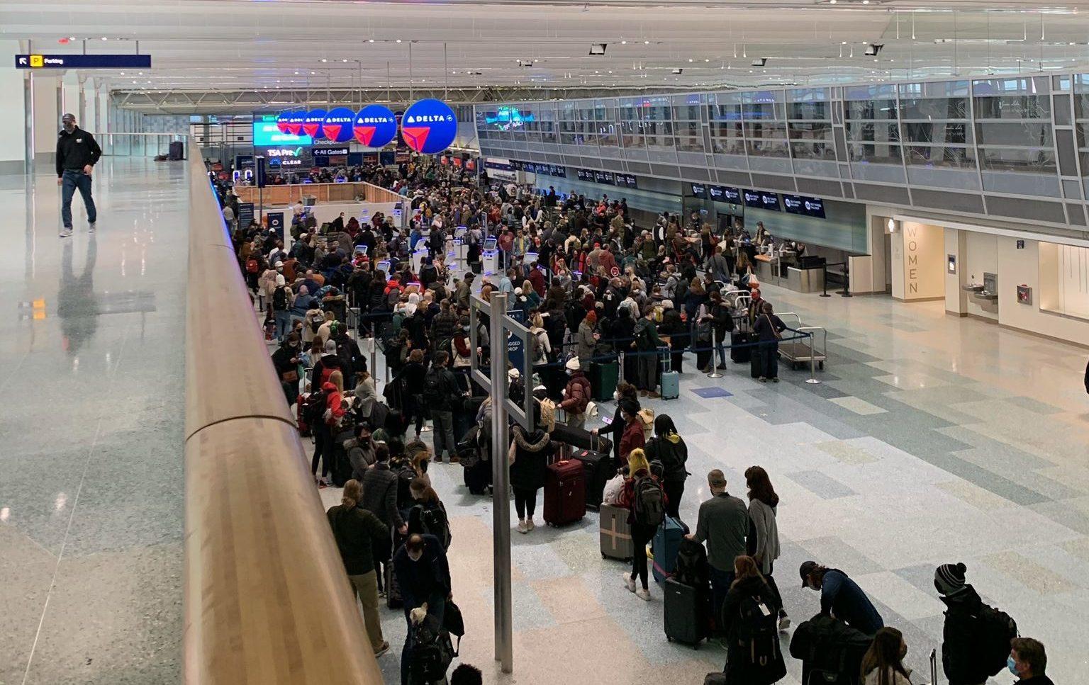 delta baggage drop line