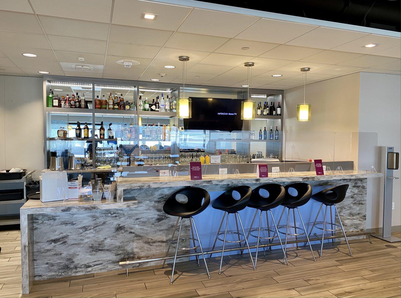 escape lounge MSP bar