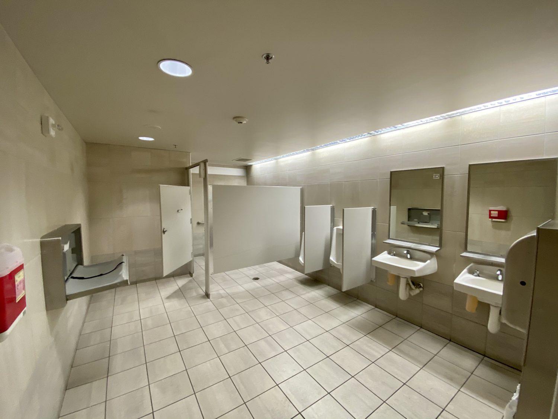 escape Lounge MSP bathroom