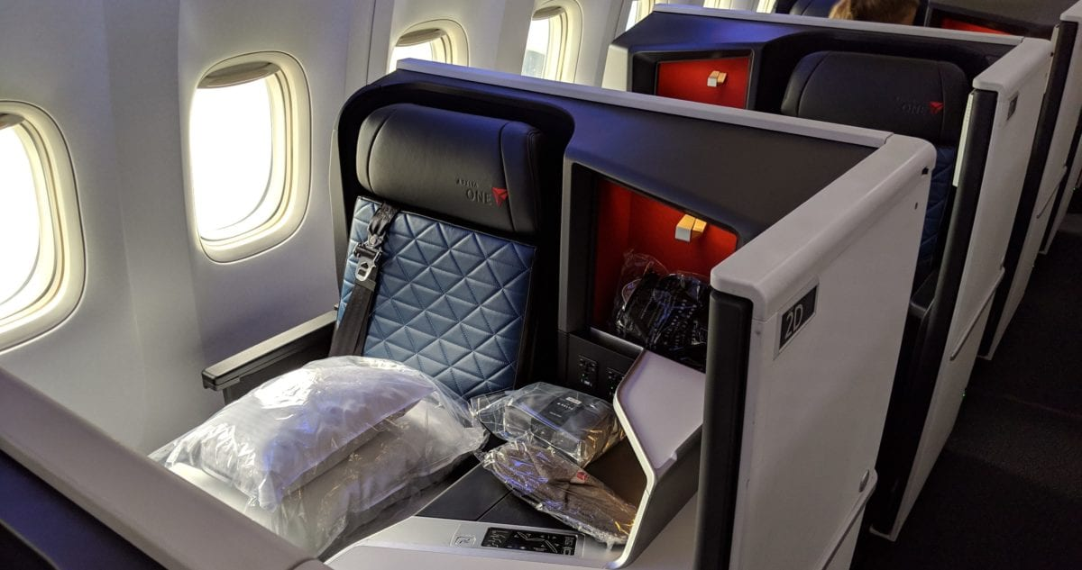Delta One Suites Review: Tokyo-Haneda to Minneapolis-St  Paul 777