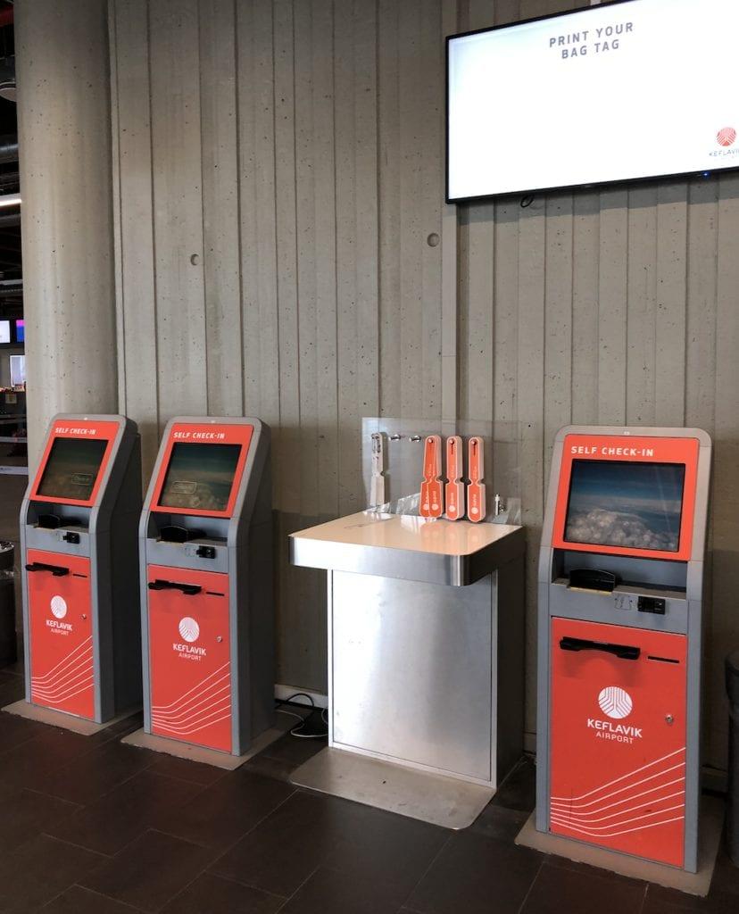 reykjavik airport kiosks