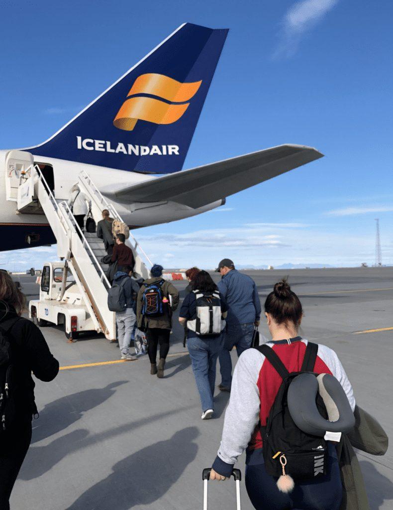 icelandair review boarding