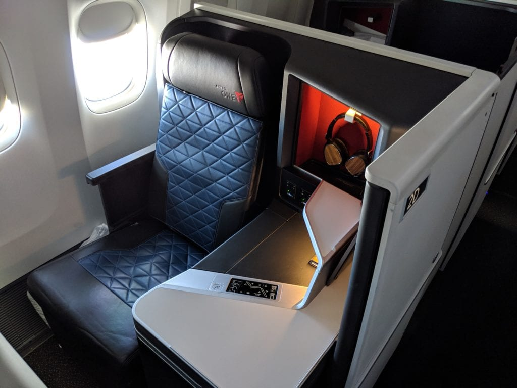 Book Delta with Chase Sapphire Preferred card