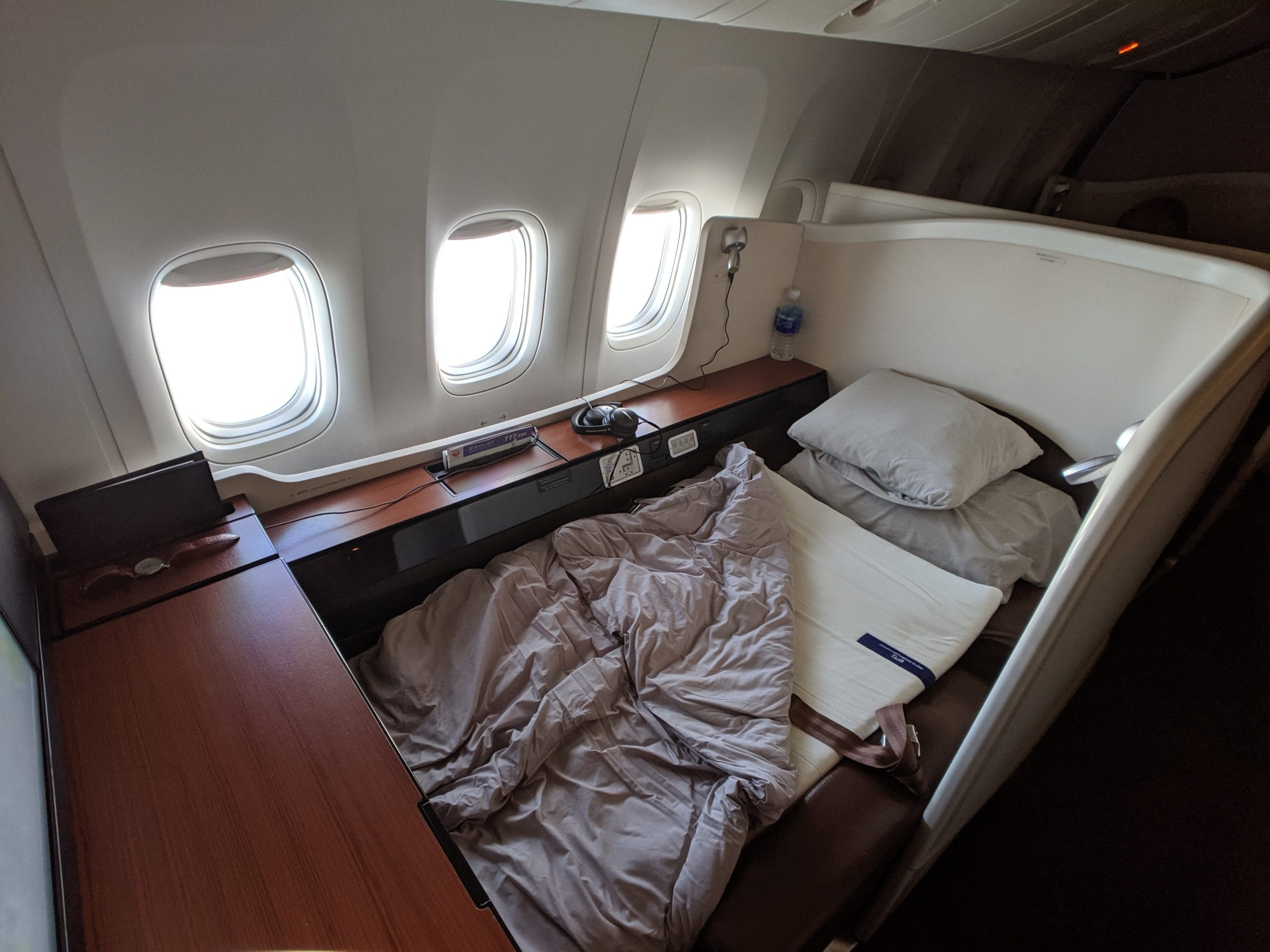 japan airlines first class bed