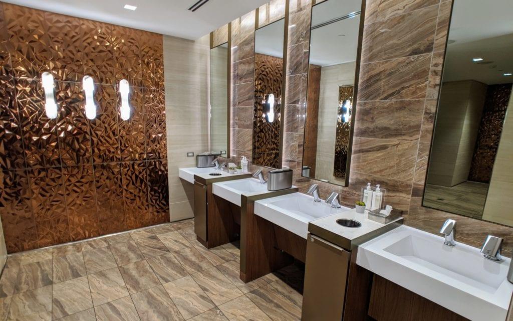 skyclubbathroom e1577126116645