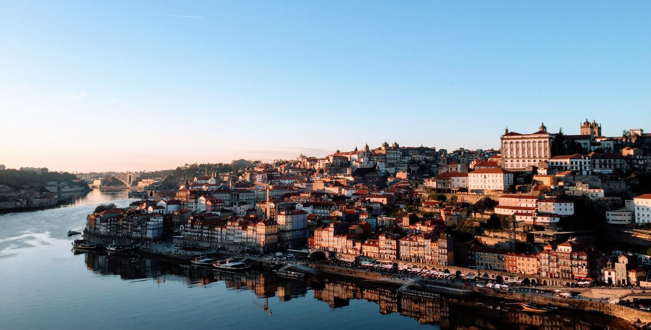 Thrifty Traveler's Guide to Porto, Portugal