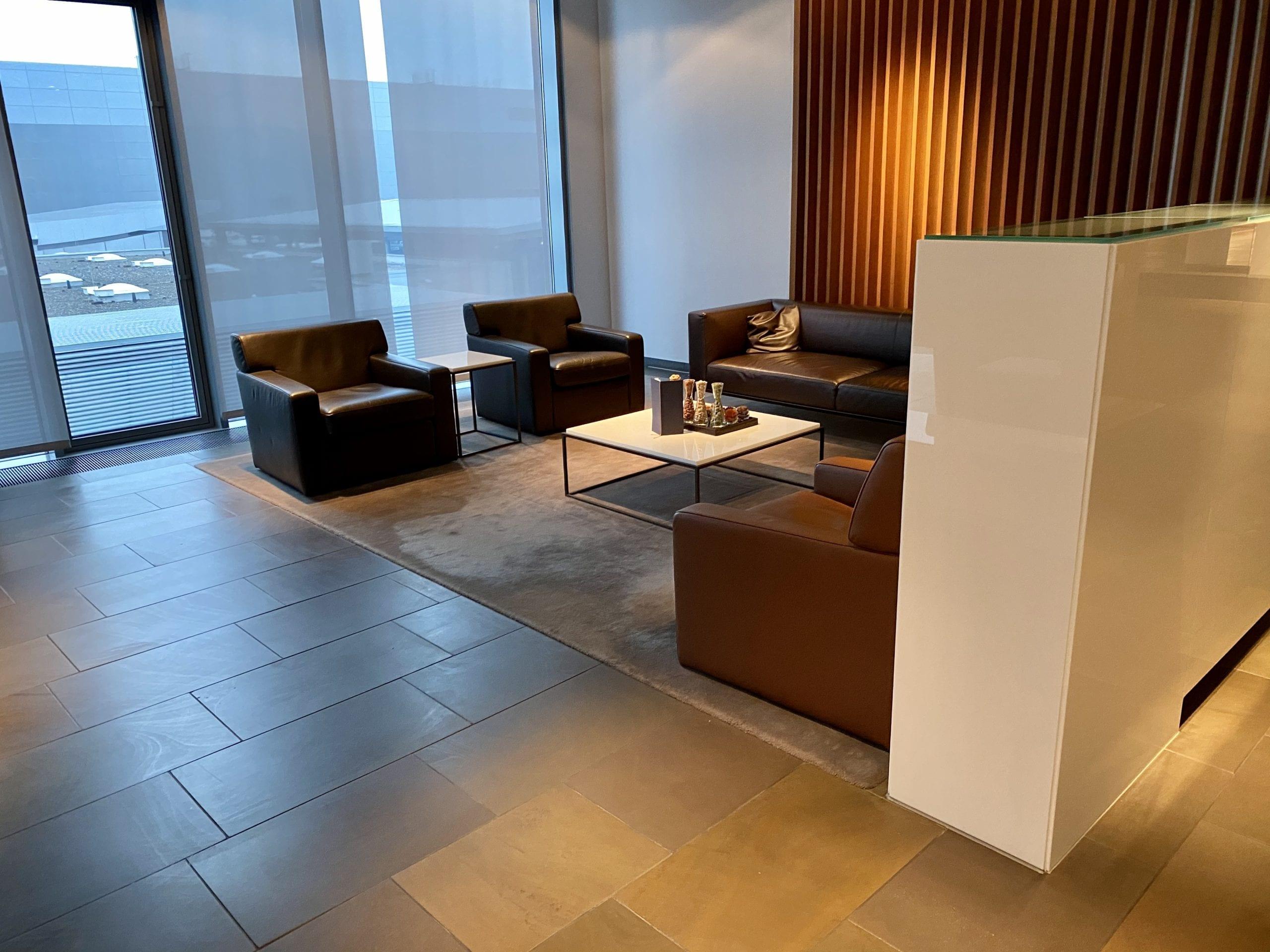 Lufthansa first class terminal lounge