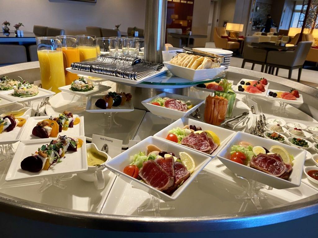 emirates lounge salad