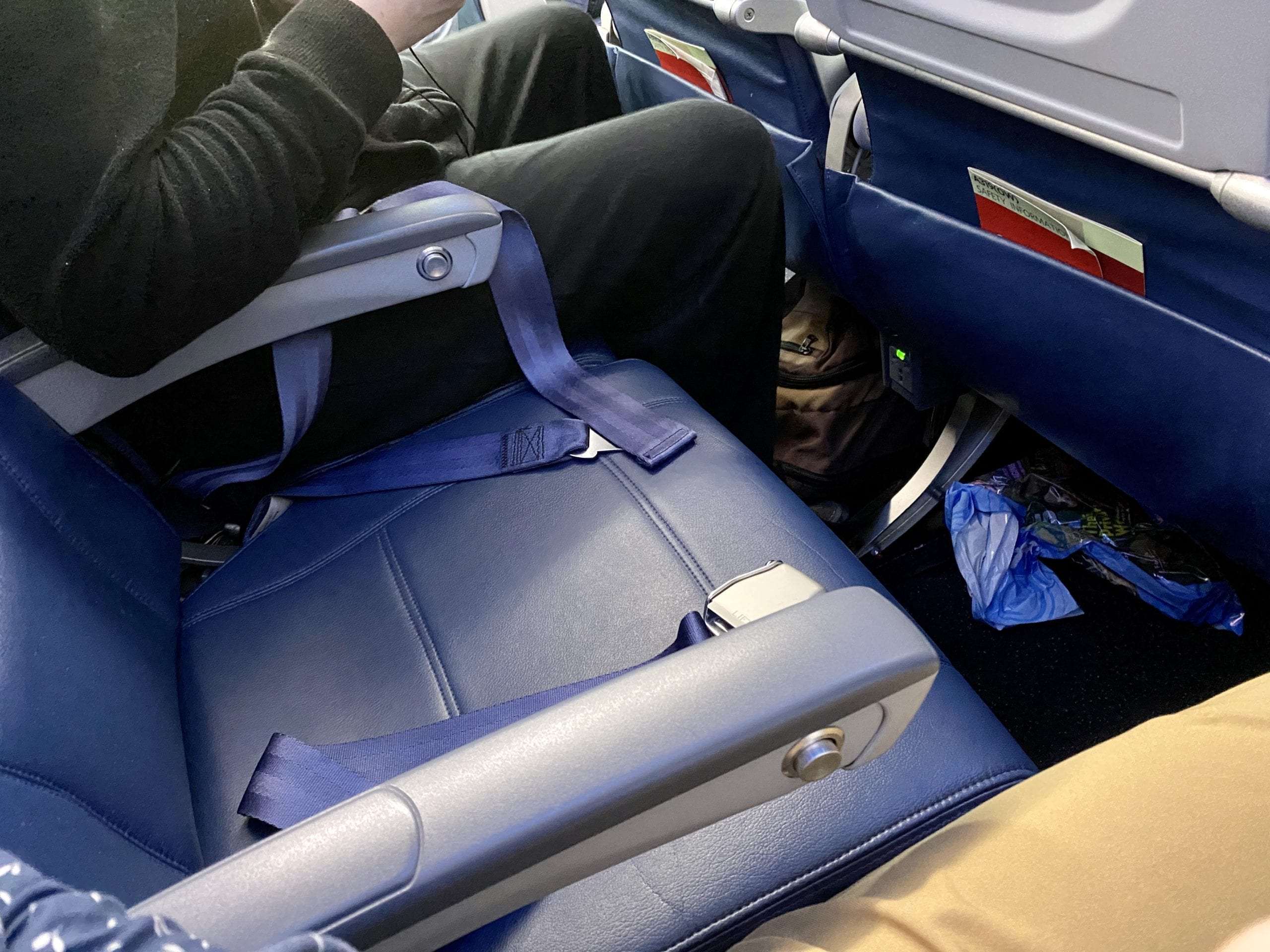 delta airlines block middle seat