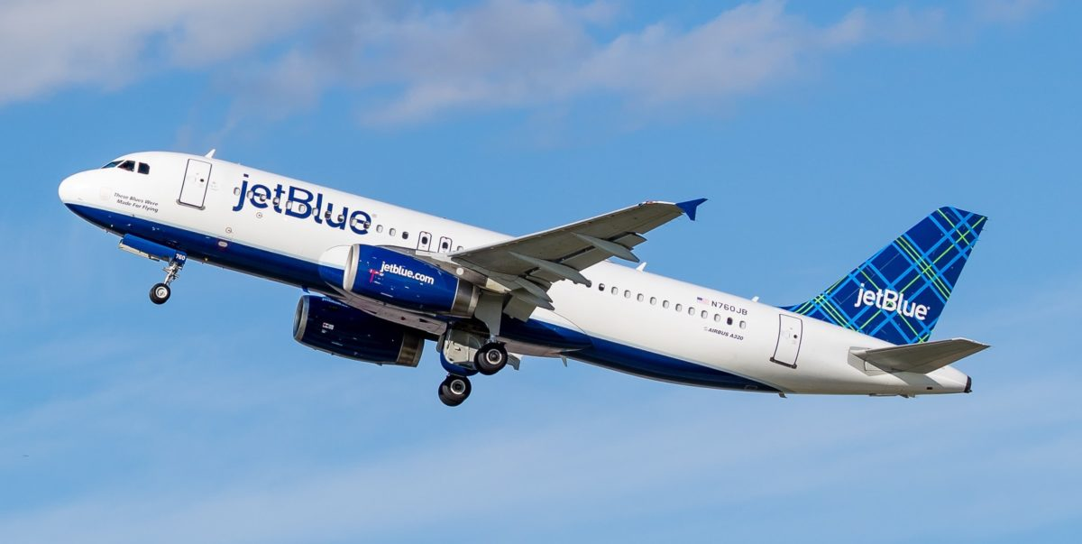JetBlue Baggage Fees in 2021 (And How To Avoid Them)