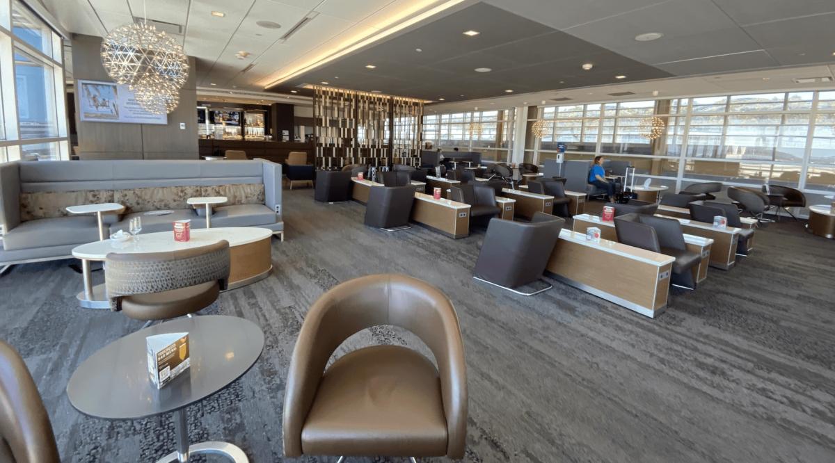 A Quaint Jewel: Review of the Delta Sky Club at DCA in Washington, D.C.