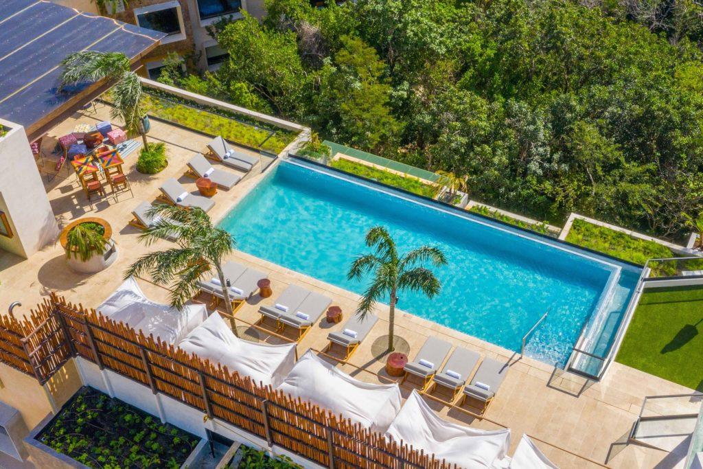 Marriott Aloft Tulum pool