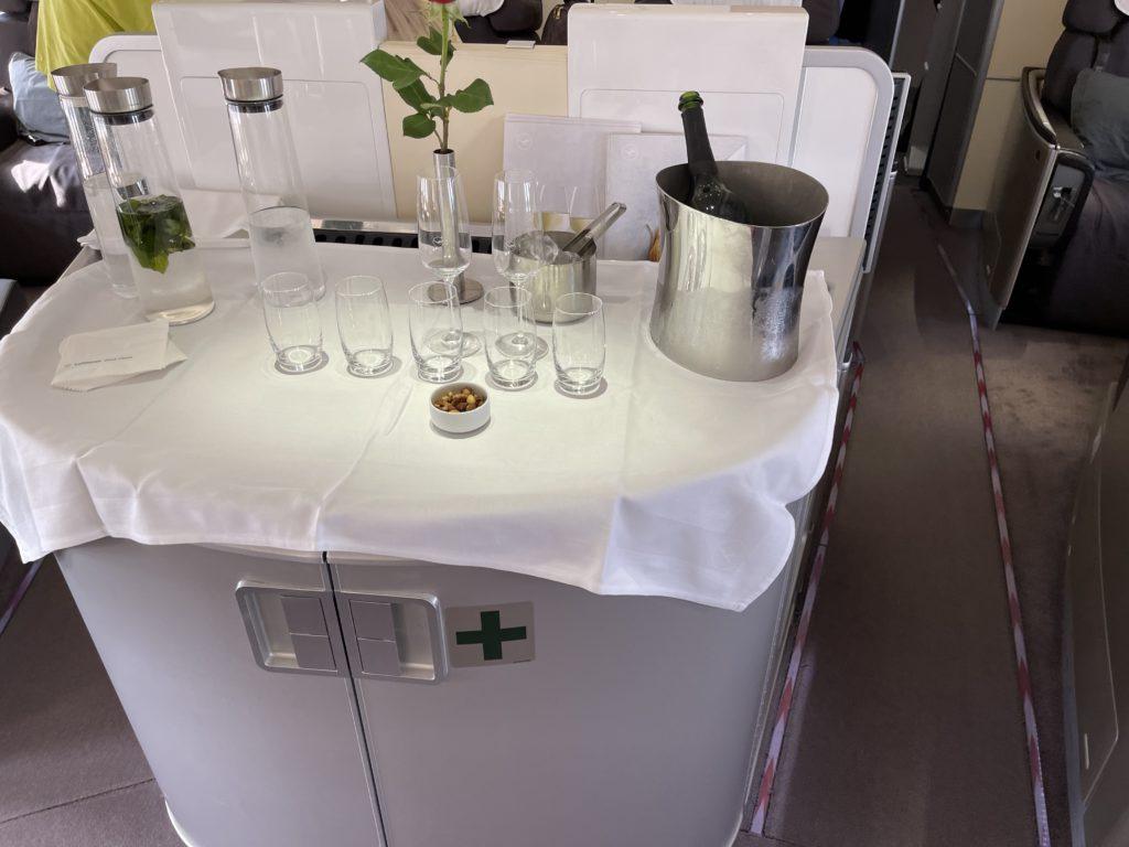 lufthansa first class bar