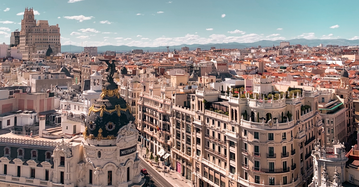 Nationwide Delta SkyMiles Flash Sale to Spain from 32K RT (Into 2022!)