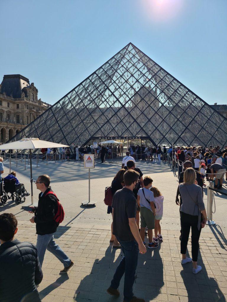 Line at the Louvre, Paris